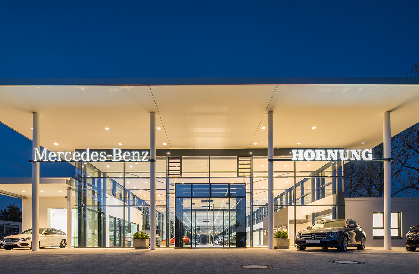 AUTOHAUS HORNUNG Showroom frontal